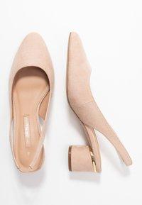 Dorothy Perkins - DOLLARCYCLINDER HEEL SLINGBACK COURT - Classic heels - nude - 3