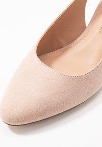 Dorothy Perkins - DOLLARCYCLINDER HEEL SLINGBACK COURT - Classic heels - nude - 2