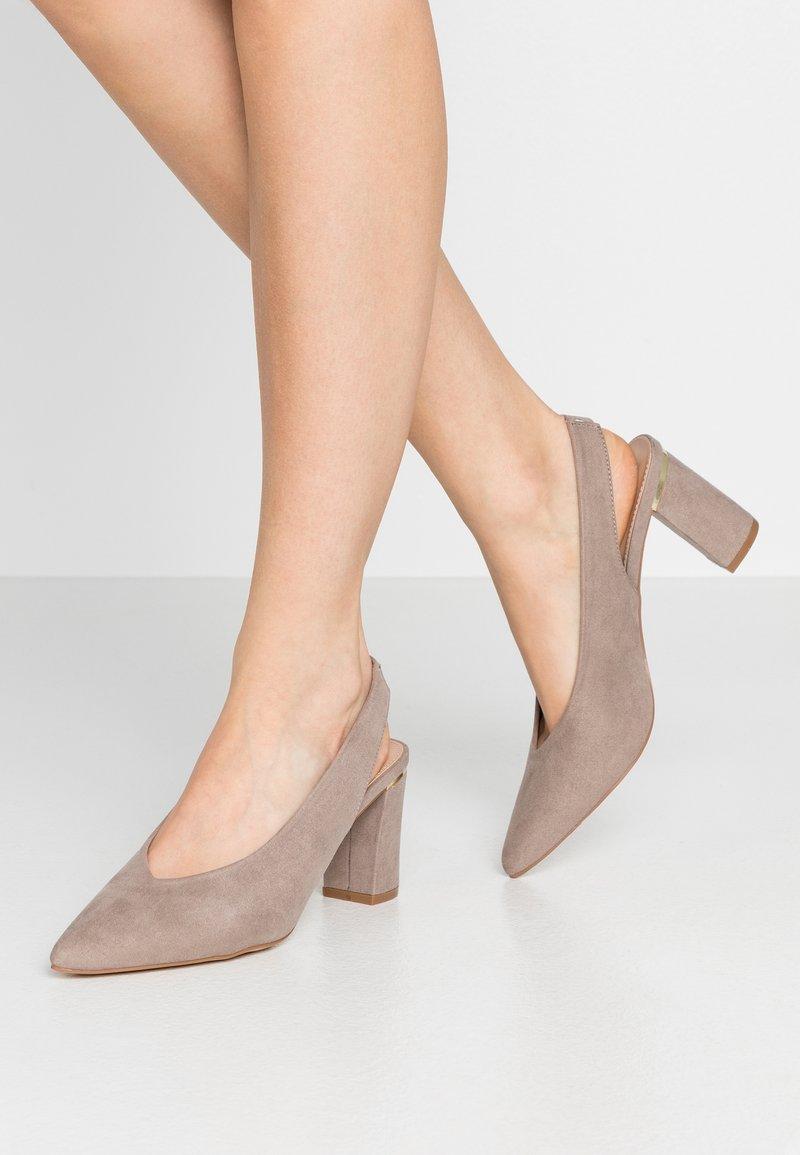 Dorothy Perkins - EMILY BLOCK HEEL SLINGBACK COURT - Classic heels - taupe