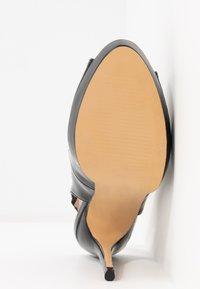 Dorothy Perkins - ENVY  - Peeptoe heels - black - 6