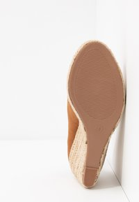 Dorothy Perkins - DAMSEL PEEPTOE WEDGE - Peeptoes - tan - 6