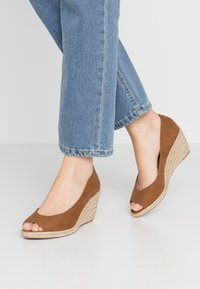 Dorothy Perkins - DAMSEL PEEPTOE WEDGE - Peeptoes - tan - 0