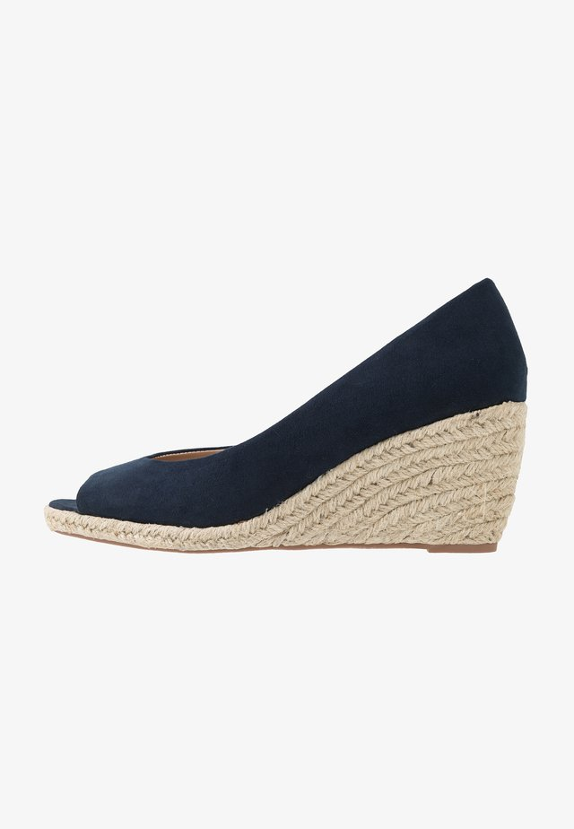 DAMSEL PEEPTOE WEDGE - Avokärkiset avokkaat - navy