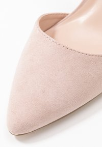 Dorothy Perkins - EGO METAL POINT X-STRAP - Klassiske pumps - nude - 5