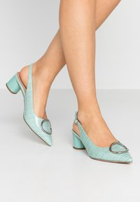 Dorothy Perkins - EMMA CROC SLING POINT - Klassiske pumps - green - 0