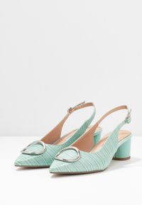 Dorothy Perkins - EMMA CROC SLING POINT - Klassiske pumps - green - 4