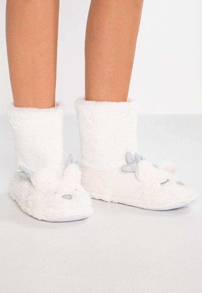 Dorothy Perkins - REINDEER BOOTIE - Pantoffels - cream