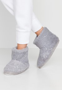 Dorothy Perkins - FLECK BOOTIE - Slippers - light grey - 0