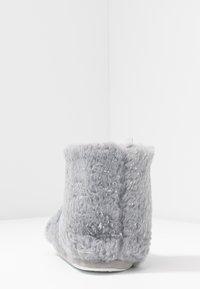 Dorothy Perkins - FLECK BOOTIE - Slippers - light grey - 5