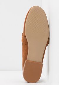 Dorothy Perkins - LOLA BUCKLE LOAFER - Instappers - tan - 6