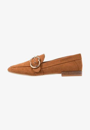 LOLA BUCKLE LOAFER - Loafers - tan