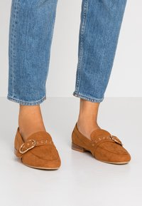 Dorothy Perkins - LOLA BUCKLE LOAFER - Instappers - tan - 0