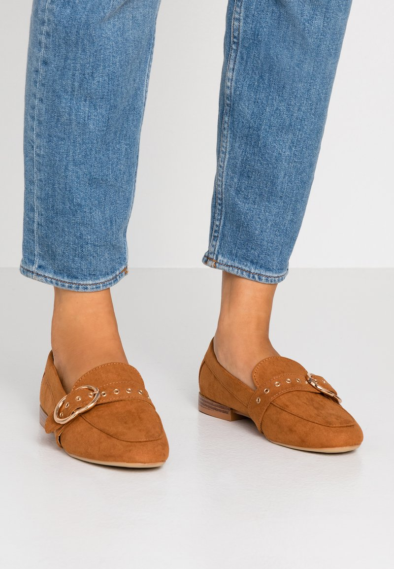 Dorothy Perkins - LOLA BUCKLE LOAFER - Instappers - tan