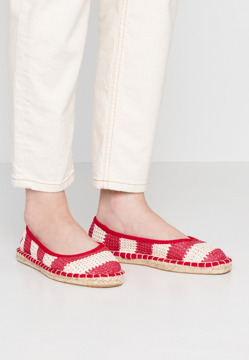 Dorothy Perkins - CANDY STRIPE - Espadrilles - red