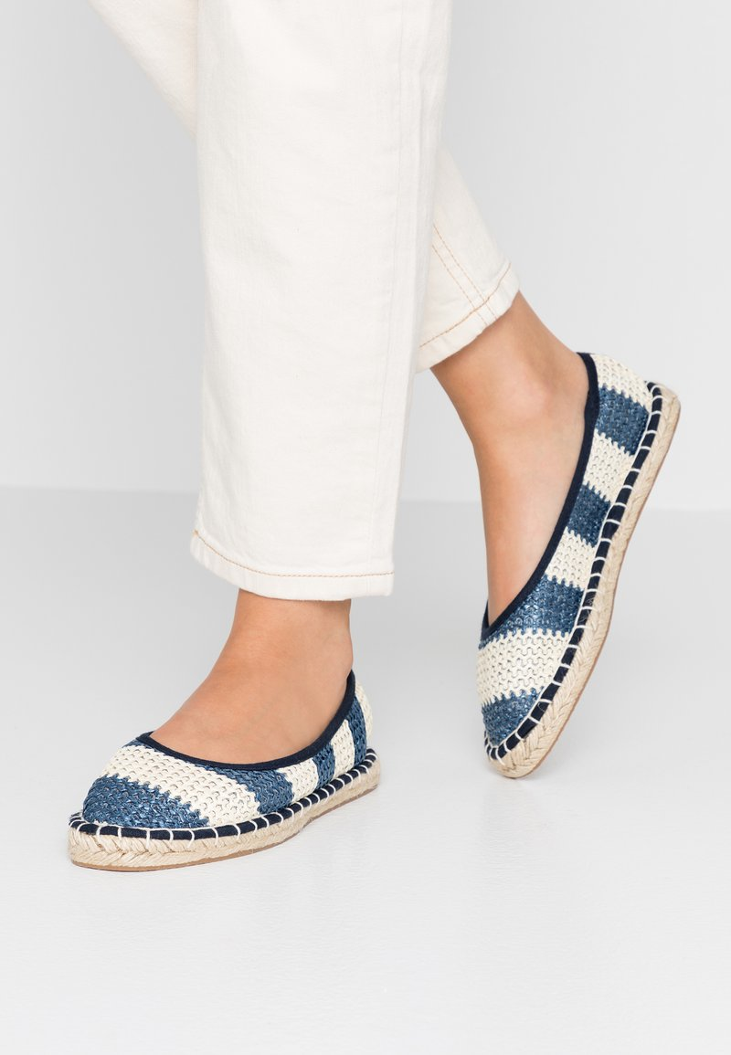Dorothy Perkins - CANDY STRIPE - Espadrilles - navy
