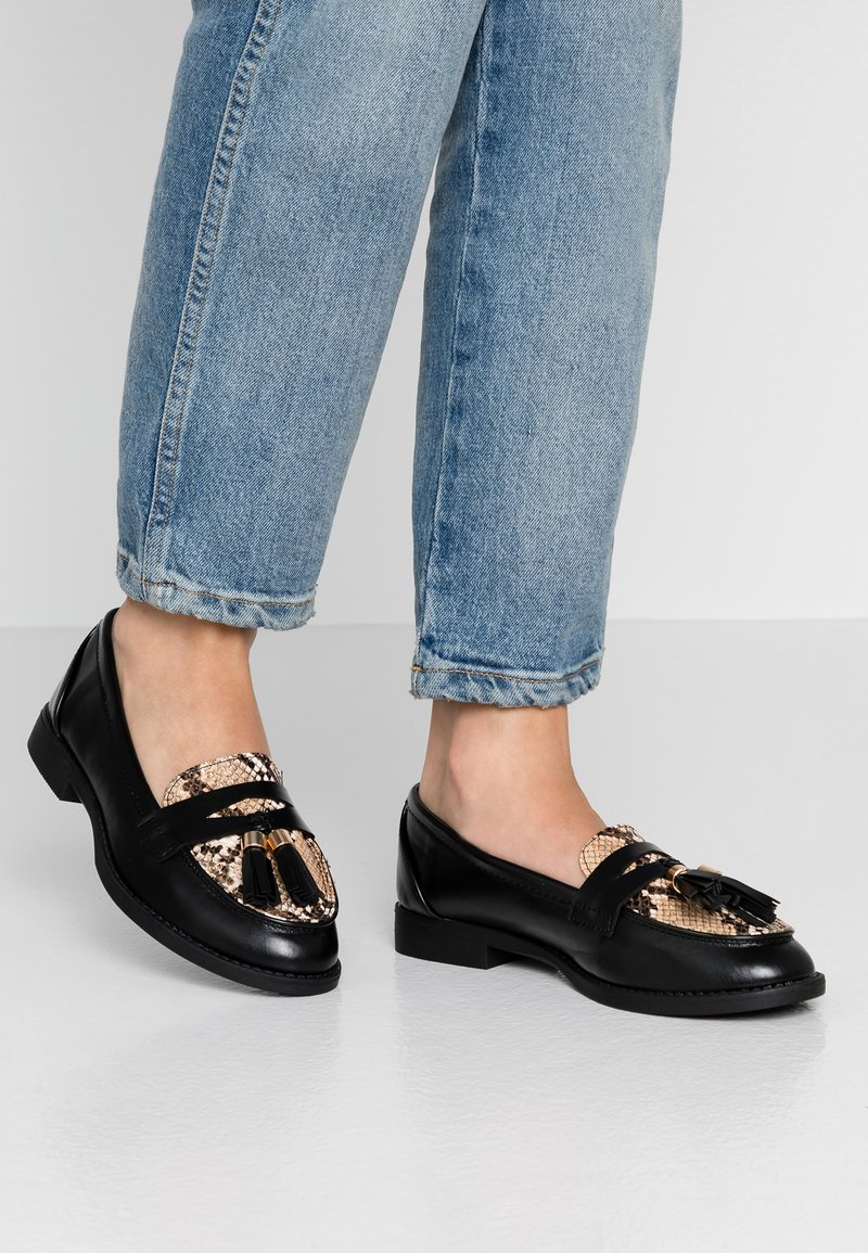 Dorothy Perkins - LORDE TASSEL LOAFER - Półbuty wsuwane - brown
