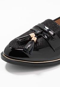 Dorothy Perkins - LANDMARK LOAFER - Loafers - black - 2