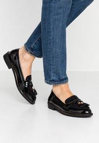 Dorothy Perkins - LANDMARK LOAFER - Loafers - black - 0