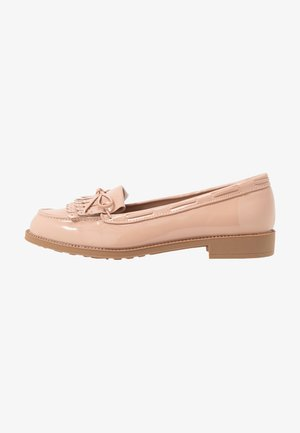 LETTY FRINGE LOAFER - Instappers - nude