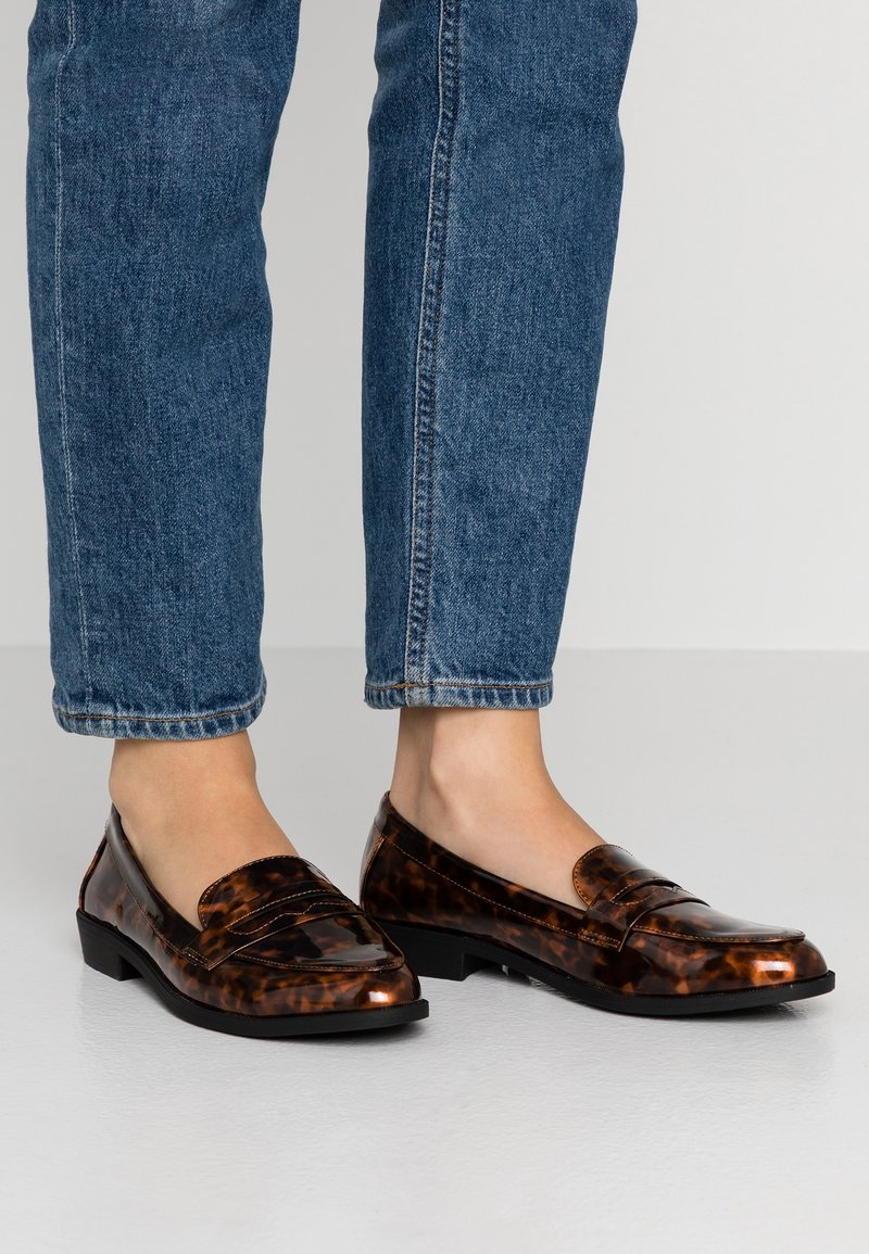 Dorothy Perkins - LUCY - Instappers - brown