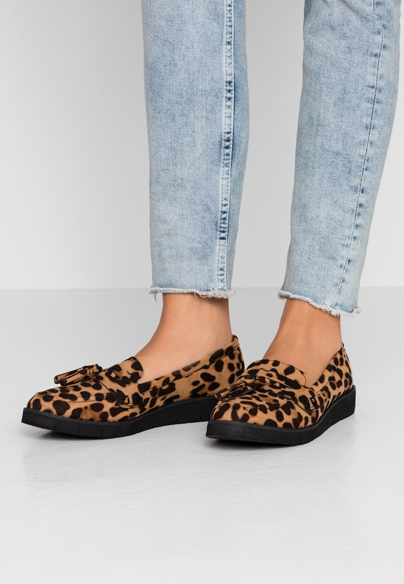 Dorothy Perkins - LORENZA LOAFER - Mokkasiinit - brown