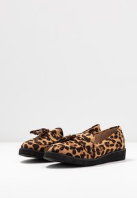Dorothy Perkins - LORENZA LOAFER - Mokkasiinit - brown - 4
