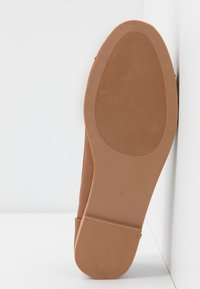 Dorothy Perkins - LATINO FRINGE LOAFER - Mocasines - tan - 6