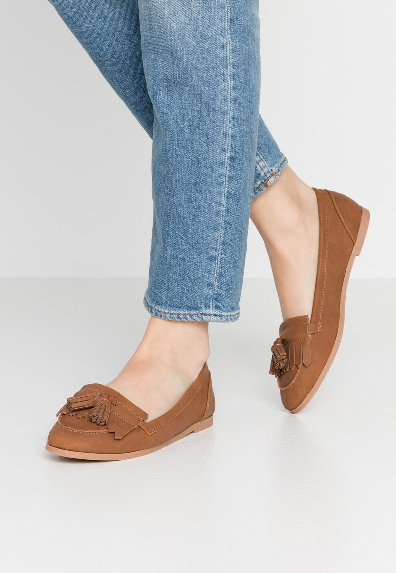 Dorothy Perkins - LATINO FRINGE LOAFER - Mocasines - tan