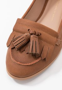Dorothy Perkins - LATINO FRINGE LOAFER - Mocasines - tan - 2