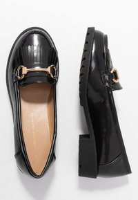 Dorothy Perkins - LEWIS CLEATTASSEL LOAFER - Slip-ons - black - 3
