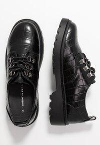 Dorothy Perkins - LUCK LOAFER - Šněrovací boty - black - 3