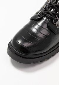Dorothy Perkins - LUCK LOAFER - Šněrovací boty - black - 2