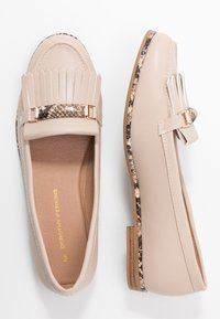 Dorothy Perkins - LOOP BAR FRINGE LOAFER - Mocasines - taupe - 3