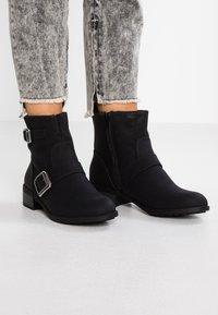 Dorothy Perkins - MUNCH - Cowboy/biker ankle boot - black - 0
