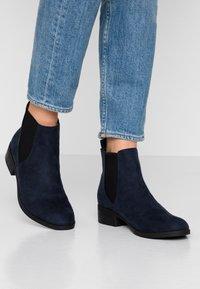 Dorothy Perkins - MORGAN CHELSEA  - Boots à talons - navy - 0
