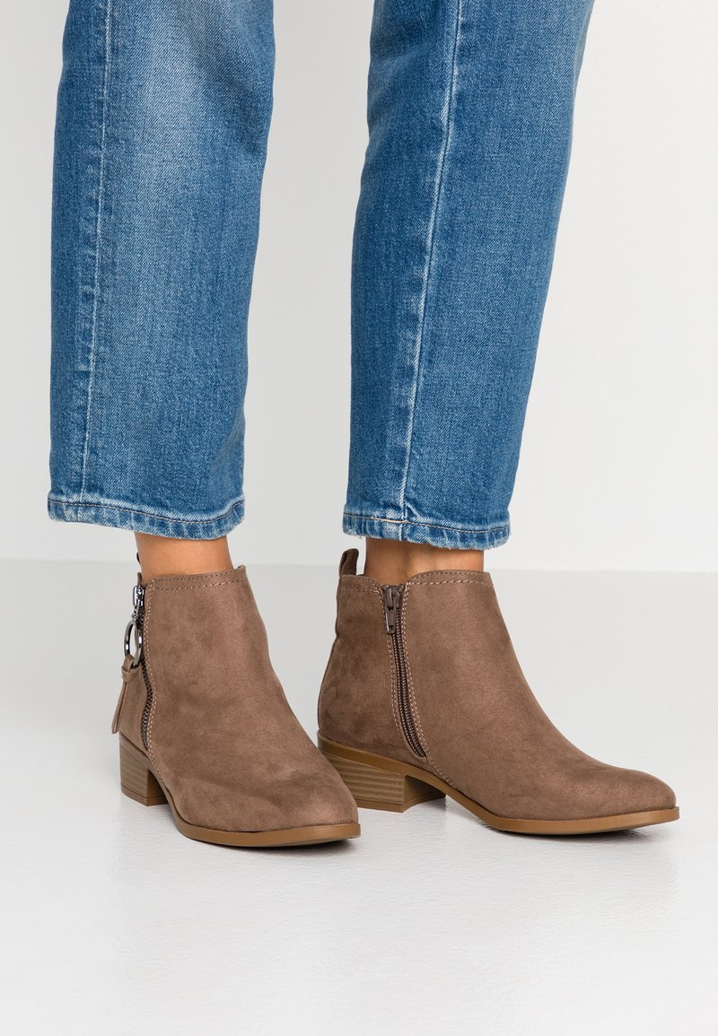 Dorothy Perkins - MYNOR SIDE ZIP RING PULL - Ankelboots - taupe