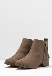 Dorothy Perkins - MYNOR SIDE ZIP RING PULL - Ankelboots - taupe - 4