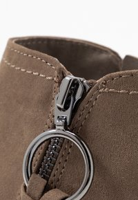 Dorothy Perkins - MYNOR SIDE ZIP RING PULL - Ankelboots - taupe - 2