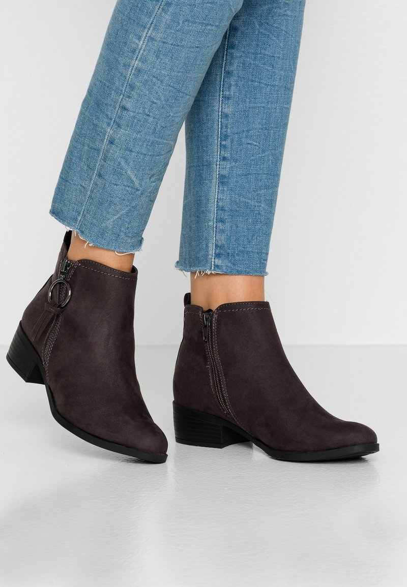 Dorothy Perkins - MYNOR SIDE ZIP RING PULL - Ankle Boot - grey