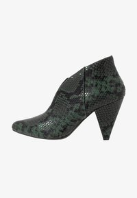 Dorothy Perkins - ADMIRE UPDATE - Ankle boot - green - 1