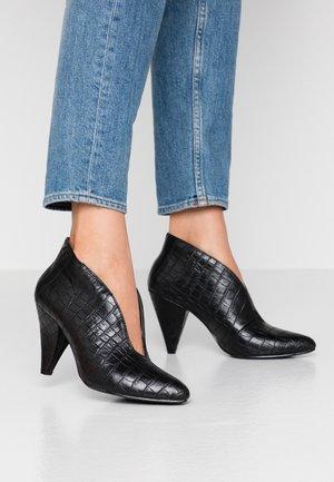 ADMIRE UPDATE - Kotníková obuv - black