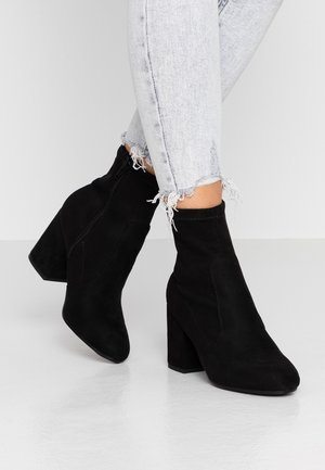 AVERY MF SOCK BLOCK HEEL  - Bottines - black