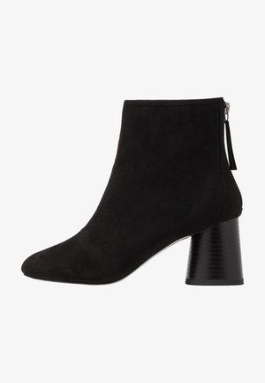 ANTHEA SOFT ROUND TOE BOOT - Classic ankle boots - black