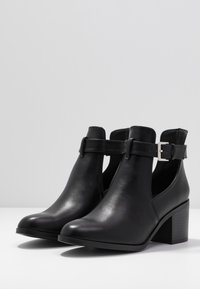 Dorothy Perkins - AUDIO OPEN SIDED HEELED - Kotníková obuv - black - 4