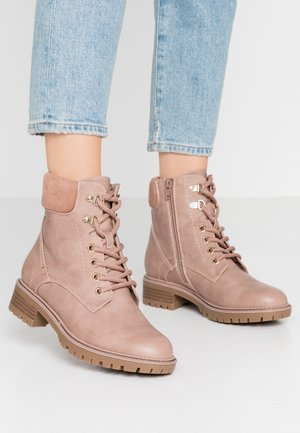 MONTREAL LACE UP CHUNKY HIKER - Botines con cordones - pink