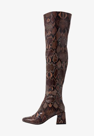 LOLA SKYE LAELA HIGH SHAFT BOOT - Overknee laarzen - brown