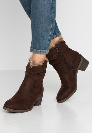 MOSCOW RUCHED  - Botines - chocolate brown