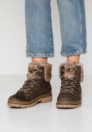 MONNIE HIKER - Ankle Boot - khaki