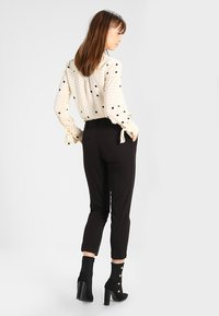 Dorothy Perkins - NEW GRAZER - Broek - black - 3