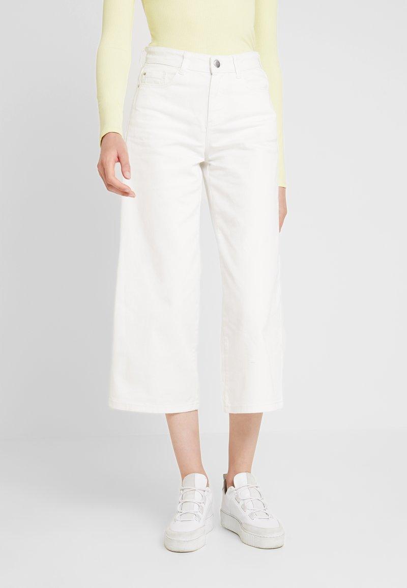 Dorothy Perkins - WIDE LEG CROP - Flared Jeans - ecru